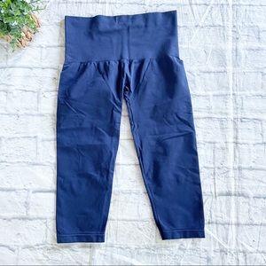Soma blue pull on capri leggings medium